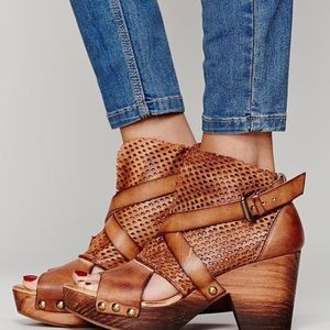 Free People Rendering Platform/clog Shoes